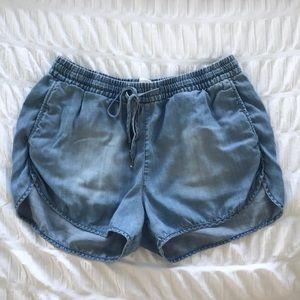Flowy denim shorts